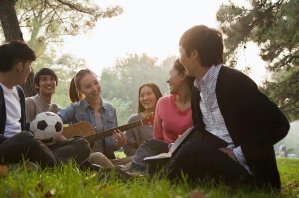 Adolescents en plein air